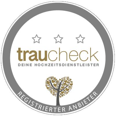 Hochzeitsplanerin Weddingplanerin Traurednerin Julia Truisi weddings & events ist registrierter Anbieter auf Traucheck Hochzeitsportal